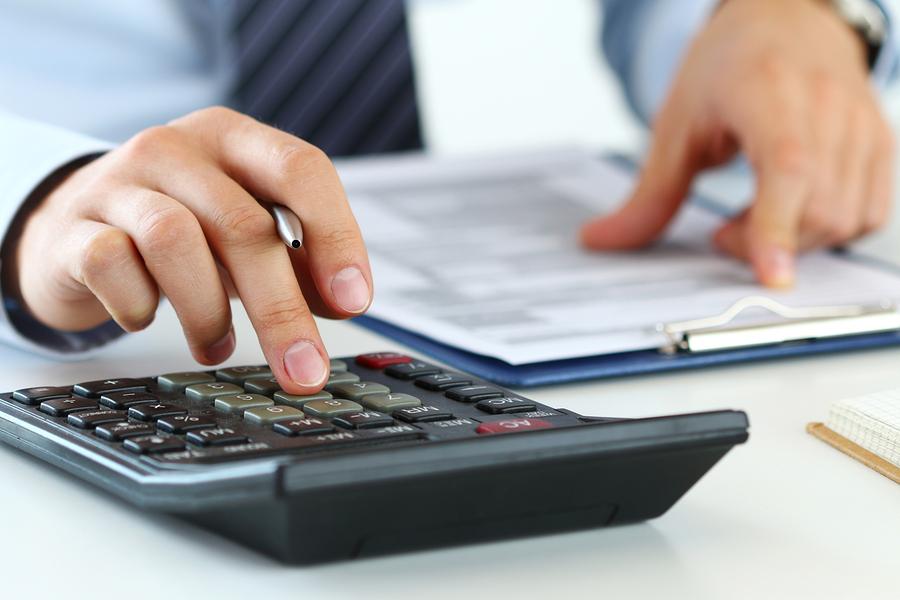 Sofortkredit berechnen lassen von Bankmitarbeiter